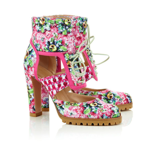 Mary-Katrantzou-x-Gianvito-Rossi-Footwear-Collaboration-11-600x552